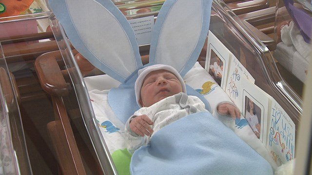 St. Luke's Hospital celebrate Easter by decorating newborns in baby bunties. (Credit: KMOV)