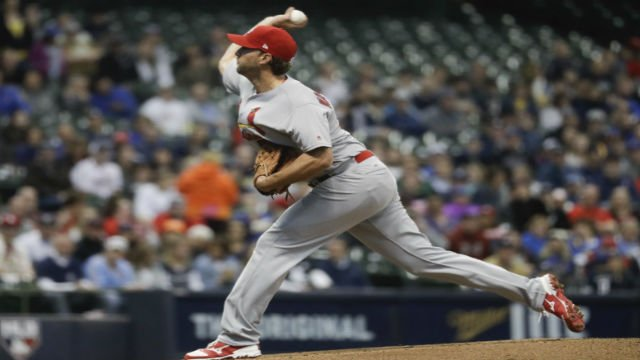 St. Louis Cardinals starting pitcher Adam Wainwright throws during the first inning of a baseball game against the Milwaukee Brewers Friday, April 21, 2017, in Milwaukee. (AP Photo/Morry Gash)