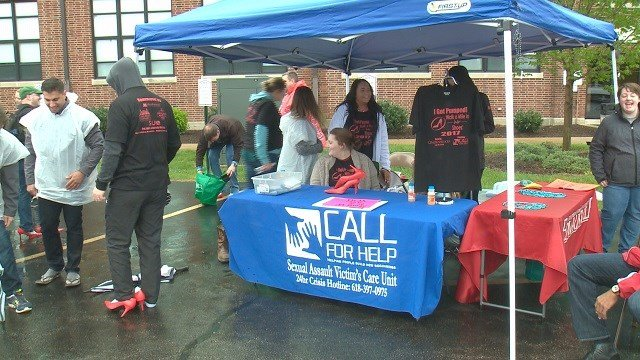 Walk a Mile in Her Shoes event. (Credit: KMOV)