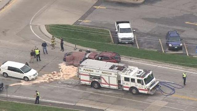 Emergency crews in St. Clair, Mo. after a fatal crash Wednesday (Credit: KMOV)