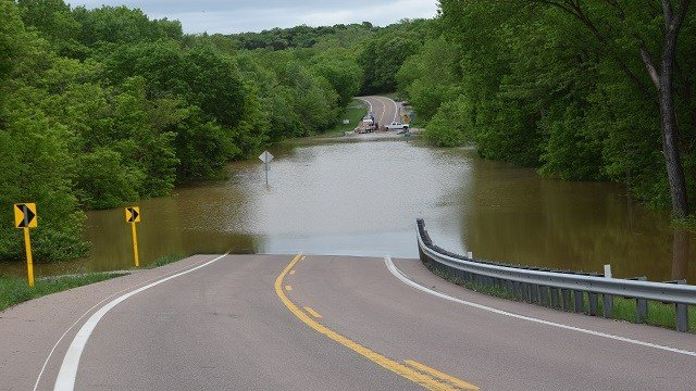 Intersection of Byrnesville Rd. and south Brynesville Roads at the Old Town. Drivers must turn back in the Village Old Town of Brynesville  in Jefferson County. (Credit: Carol Kreamer)