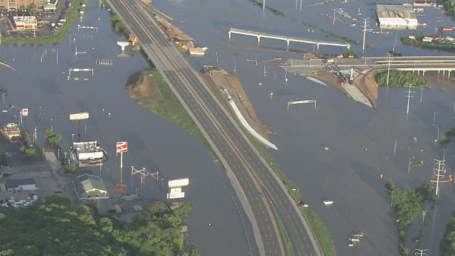 Sky-Zoom 4 captures the increased water levels overtake the underpass stretch of 141 at I-44 (KMOV)