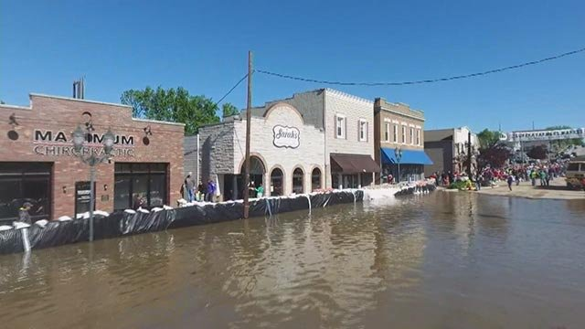 Flooding in Eureka Tuesday (Credit: KMOV)