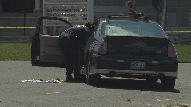 Two injured after double shooting on Saturday. (Credit: KMOV)