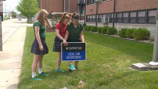 A local student's school project is raising money for Backstoppers. (Credit: KMOV)