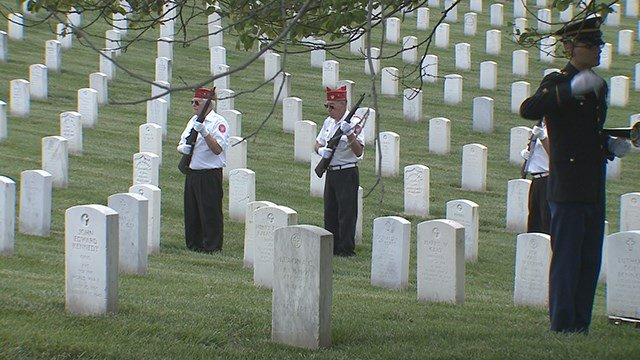 The Homeless Veterans Burial Program honors the lives of two men who served in the military. (Credit: KMOV)