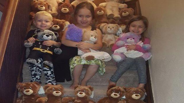 Noa Grace Welborn & her siblings with some of the bears (Credit: gofundme)