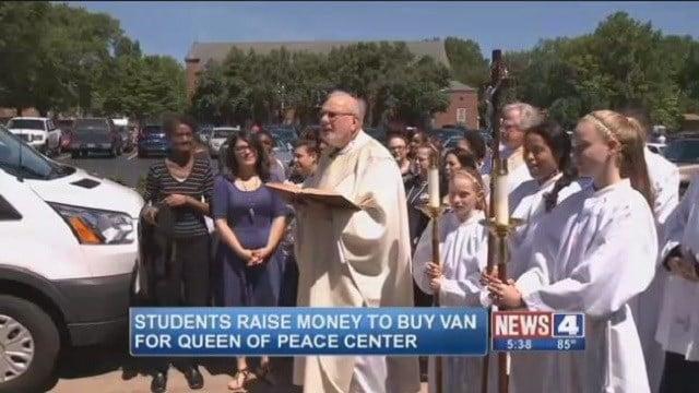 Students raise money for drug rehab center. (Credit: KMOV)