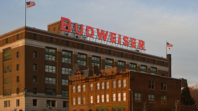 Image of the iconic Budweiser sign at Anheuser-Busch's St. Louis brewery. (PRNewsFoto/Anheuser-Busch)