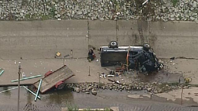 A vehicle crashed into the River des Peres Wednesday (Credit: KMOV)