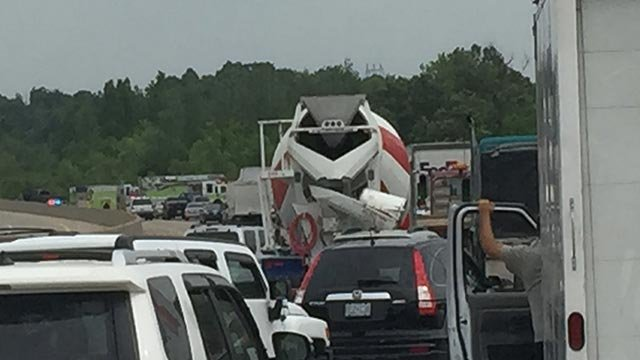 Traffic following a crash on NB I-55 in Jefferson County (Credit: News 4 viewer)