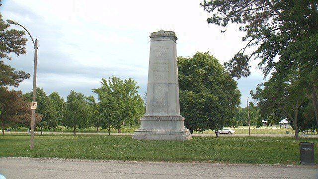 The Confederate monument in Forest Park. (Credit: KMOV)