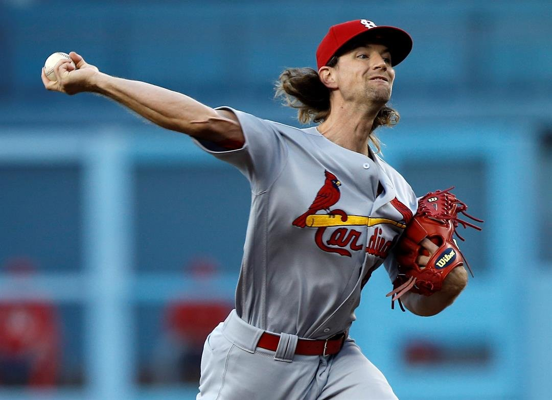 St. Louis Cardinals starting pitcher Mike Leake throws to the plate against the Los Angeles Dodgers during the first inning of a baseball game in Los Angeles, Wednesday, May 24, 2017. (AP Photo/Alex Gallardo)