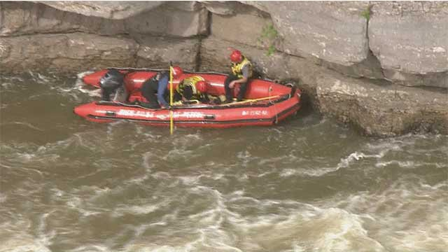 Emergency crews search for missing teen in Jefferson County (KMOV)