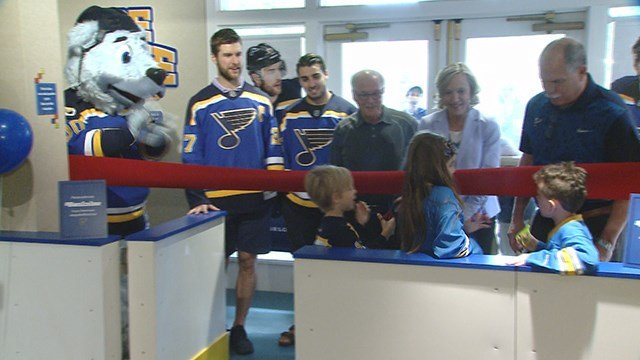 St. Louis Blues Players are masters of ice and they are helping children learn about the science behind the ice. (Credit: KMOV)