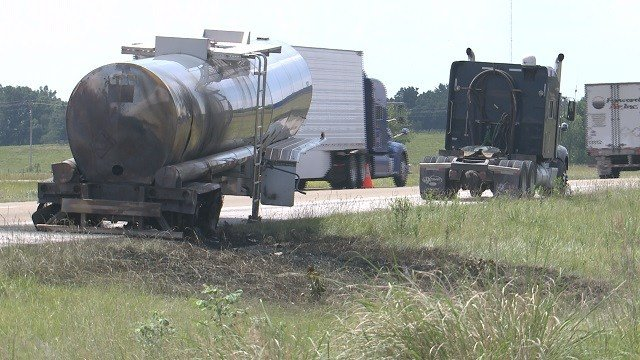 Semi truck fire temporarily shuts down I-55 near Staunton. (Credit: KMOV)