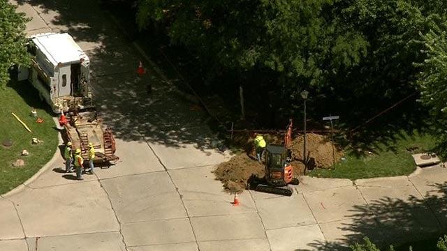 Skyzoom4 over crews working on gas leak in St. Peters (Credit: KMOV)