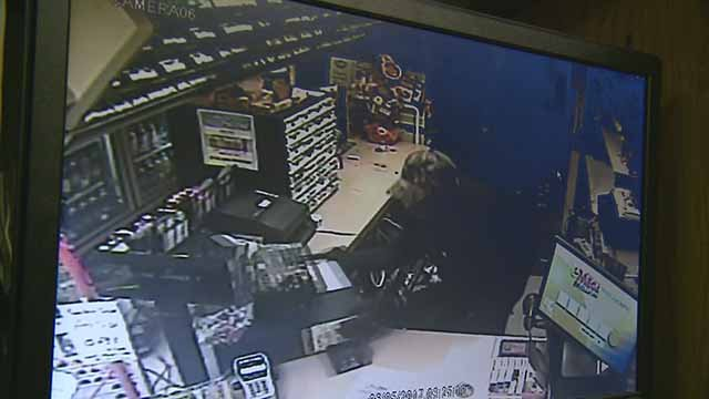 Police believe this man stole items and cash from two Jefferson County businesses. Credit: Jefferson County Sheriff