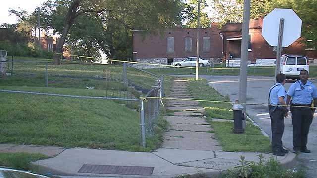 A male victim was shot in the 1400 block of De Soto Thursday evening. Credit: KMOV