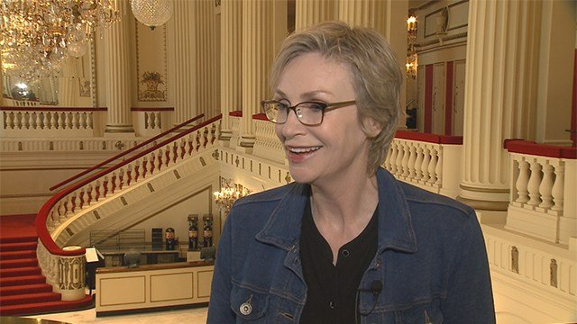 """Jane Lynch to perform """"The Great American Songbook"""" at Powell Hall. (Credit: KMOV)"""