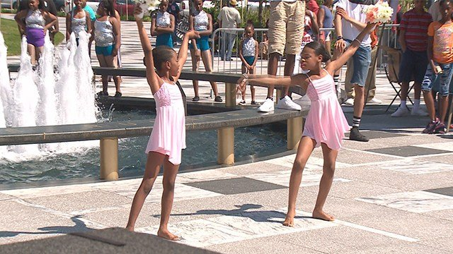 """Many came out for """"Rock the Community"""" event at Kiener Plaza on Sunday. (Credit: KMOV)"""