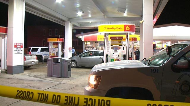 Shell gas station at 1828 Arsenal, where an off-duty officer shot and killed an armed robbery suspect Tuesday (Credit: KMOV)