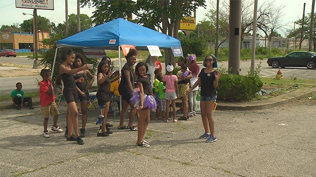 Some in East St. Louis celebrated Father's Day weekend bonding with their kids while learning about gun safety. It was the 6th annual 'Put down you gun, pick up your son' event. (Credit: KMOV)