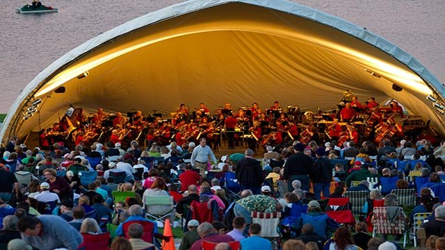 The St. Louis Symphony performs at Forest Park (Credit: St. Louis Symphony)