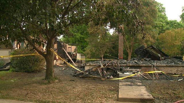 Three homes on Courtland Place were damaged by a Sunday night fire (Credit: KMOV)