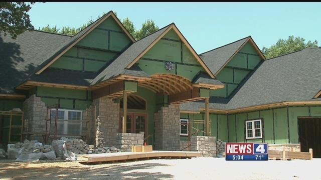 Officer Michael Flamion is preparing to move into this new home in Ballwin (Credit: KMOV)