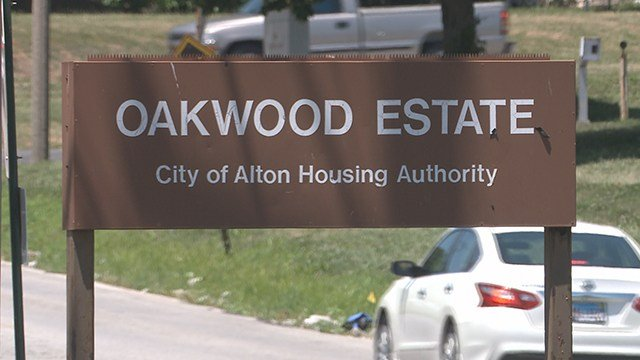 Police are investigating a quadruple shooting that occurred in the 700 block of the Oakwood Estates Housing Complex early Saturday morning. (Credit: KMOV)