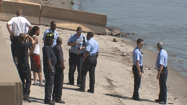 Emergency crews call off search for man who drove his truck into the Mississippi River Saturday morning. (Credit: KMOV)