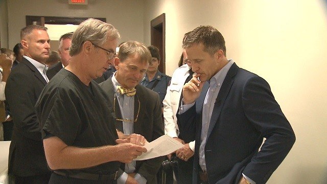 Governor Eric Greitens visiting the St. Louis City Morgue in fight against the opioid crisis. (Credit: KMOV)