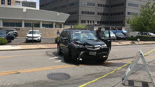 An SUV crashed on Taylor after a BJC employee was reportedly robbed Wednesday (Credit: Russell Kinsaul / KMOV