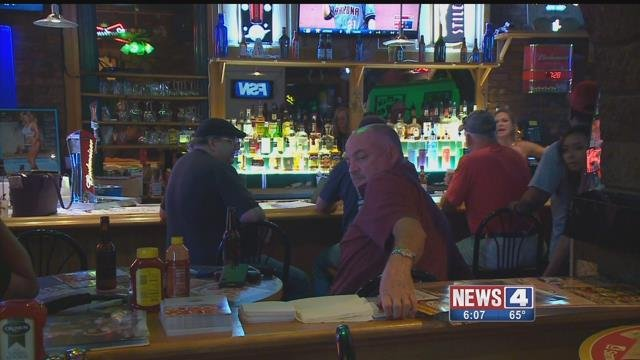 Customers enjoy one final meal at Johnny's in Soulard on Saturday, July 29, 2017 (Credit: KMOV)