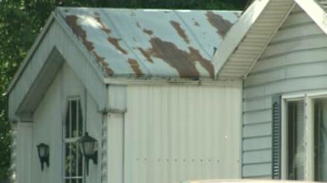 A rundown mobile home in Madison County (Credit: KMOV)