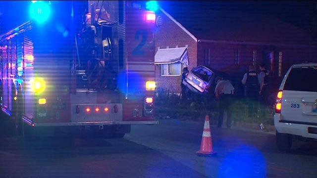 Emergency crews in the 5900 block of Goodfellow after a fatal crash Tuesday night (Credit: KMOV)