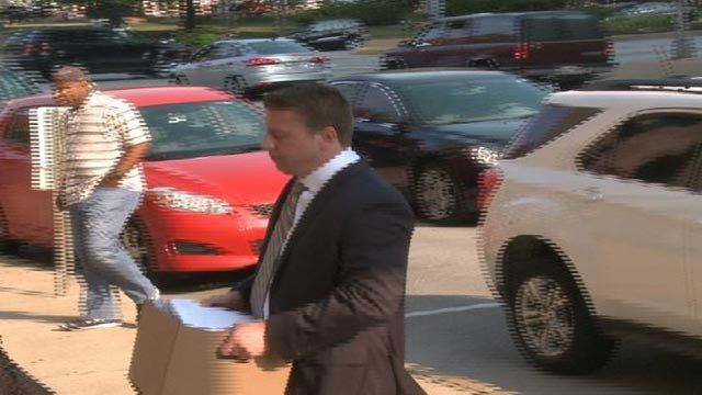 Jason Stockley enters the courthouse for the third day of trial (Credit: KMOV)