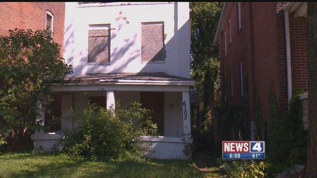 This home in St. Louis' Carondelet neighborhood has neighbors worried about their safety (Credit: KMOV)