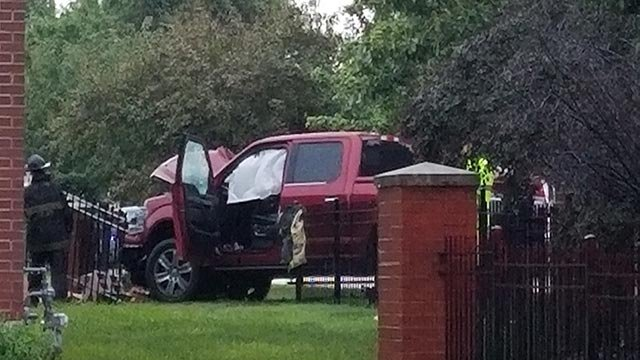 A truck crashed at 39th and Folsom Monday (Credit: KMOV)