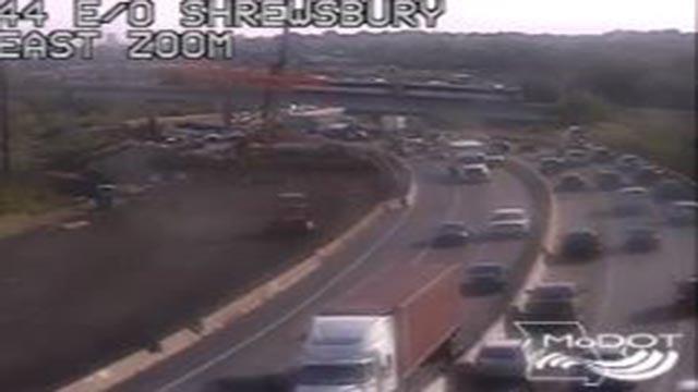 Traffic at eastbound I-44 at Shrewsbury