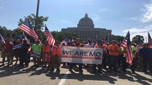 Local union members march outside of the Missouri Capitol to protest right-to-work legislation (Credit: Missouri AFL-CIO/Twitter)