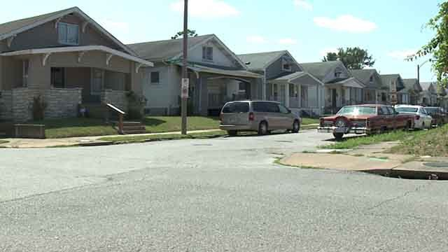 A man was found shot to death on Ponce Avenue on Saturday, August 19, 2017 (Credit: KMOV)