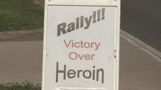 More than 200 bikers hit the pavement on Sunday to fight heroin and opioid addiction. (KMOV)