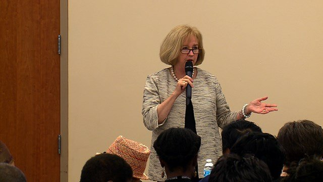 Mayor Lyda Krewson at a town hall meeting (Credit: KMOV)