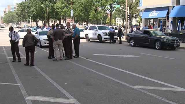 Chestnut Street was temporarily closed on September 6, 2017 as police investigated a disturbance that began in the civil courts building (Credit: KMOV)