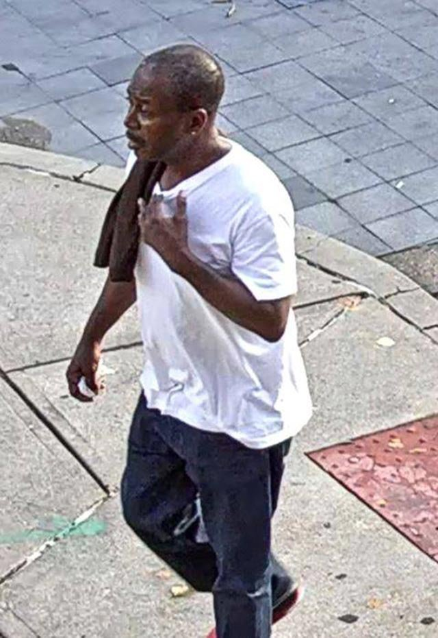 Surveillance photo of a suspect who allegedly stole a woman's purse on Aug. 17 (Credit: St. Louis Police)