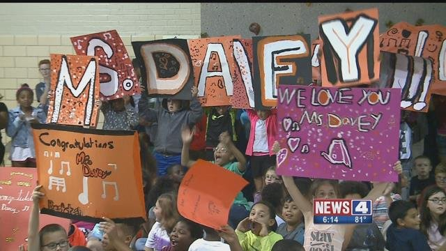 Students at Iveland Elementary School show their appreciation for Beth Davey, who was named Missouri Teacher of the Year for the 2017-18 year (Credit: KMOV)