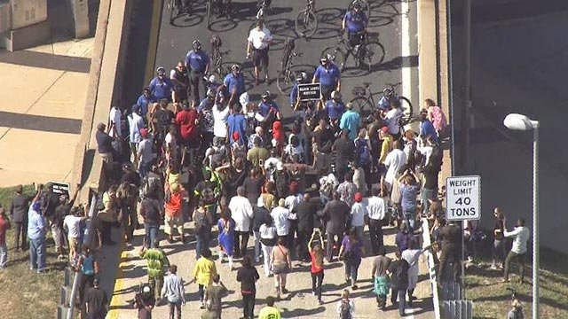 Skyzoom4 over protesters after the Jason Stockley verdict was released Friday (Credit: KMOV)