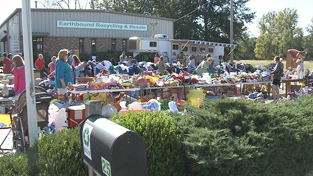 Rockwood School District bus drivers organized a rummage sale Saturday morning to raise money for the two female drivers battling cancer to help them pay for medical bills and other finances. (Credit: KMOV)